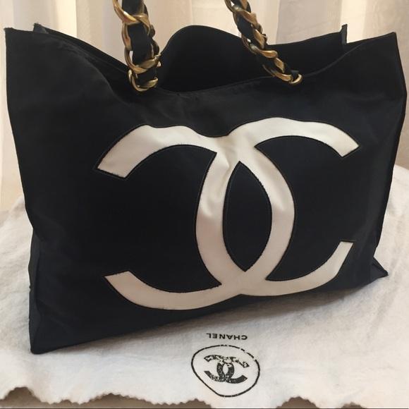 ad7bba9ef0 CHANEL Handbags - 🆕 Chanel CC XL Signature Tote Bag 👜